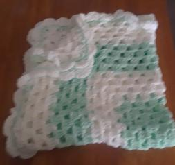 BEAUTIFUL NEW HANDMADE CROCHET BABY BLANKET/AFGHAN GREEN AND