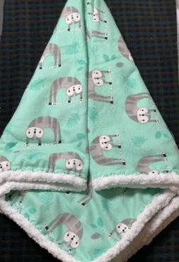 Flannel Newborn Baby Swaddle blanket - Animals  Sloths - han