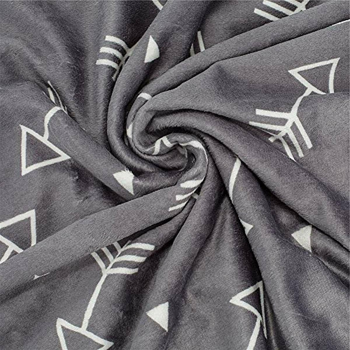 Baby Super Minky Dotted Grey Arrows 30x40