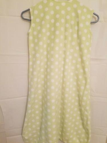 Size XL 18-24 Polyester Dot Blanket