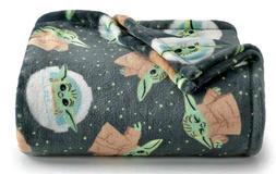 New The Big One Soft Plush Gray Throw Blanket 5' x 6 ft -  B