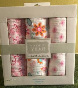 NWT Hudson Baby Girls Set of 3 Muslin Swaddle Blankets Pink