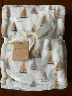 Mon Lapin Velvet Baby Blanket White Sailboats Plush Reverse